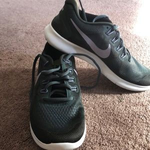 Size 7 women's Nike Free 2017 shoes. Never worn!